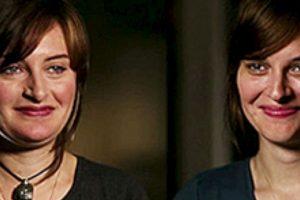 """¿Les gustaría buscar a su """"extraño gemelo""""? Foto:Vía Twin Strangers. Imagen Por:"""