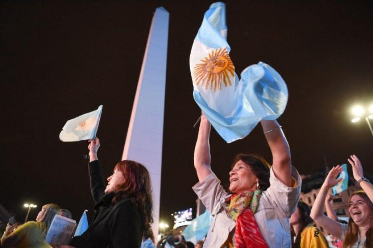 En el Obelisco, miles de Argentinos se reunieron a celebrar la victoria de Macri Foto:AFP. Imagen Por: