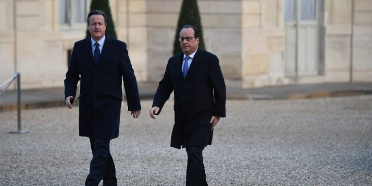 Hollande intensificará los bombardeos en Siria y Cameron le presta una base en Chipre