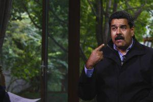 """Durante su visita a Panamá, Maduro cambió el nombre de la comunidad El Chorrillo: """"Yo les agradezco porque esta visita no se había anunciado, era secreta, yo quería venir en silencio, en soledad a rendirle un homenaje al espíritu eterno de quienes cayeron, los mártires del zorrillo… de Chorrillo"""". Foto:Getty Images. Imagen Por:"""