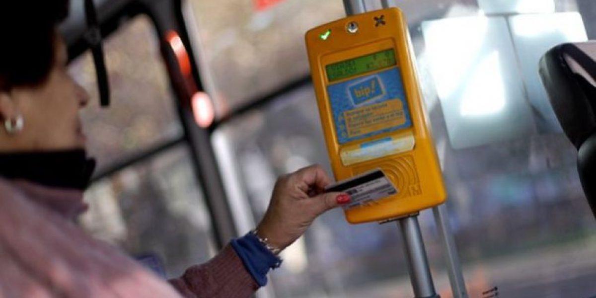 Anuncian aplicación progresiva de tarifa rebajada para adultos mayores en el transporte público