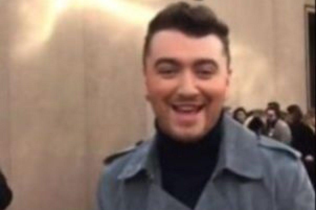 Sam Smith: selfies, fotos con fans y sus momentos más divertidos, son algunas de las publicaciones del cantante en Snapchat. Foto:Vía twitter.com/Snapchat. Imagen Por:
