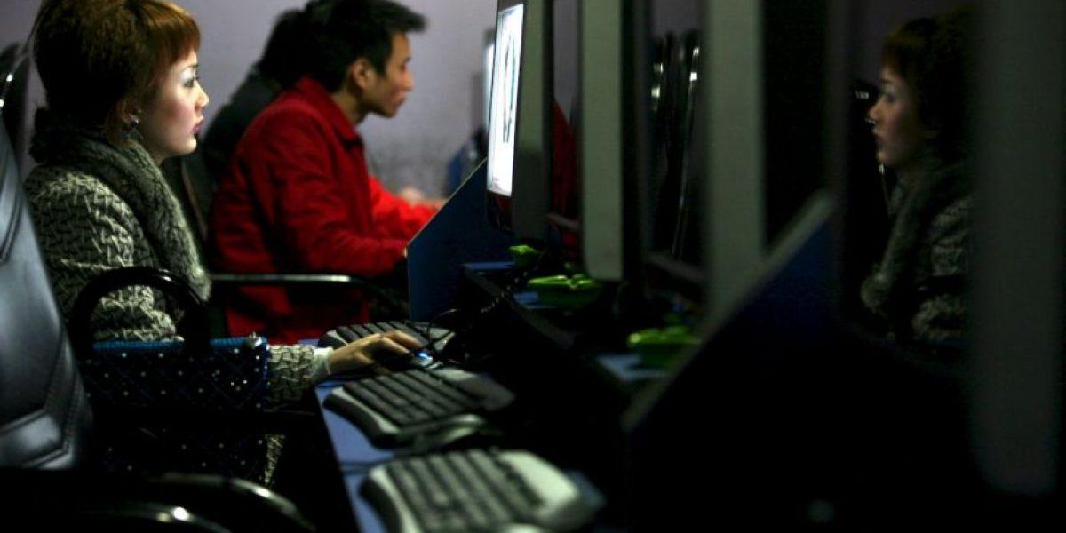 Adolescente que se fugó hace 10 años vivía en un café internet jugando videojuegos