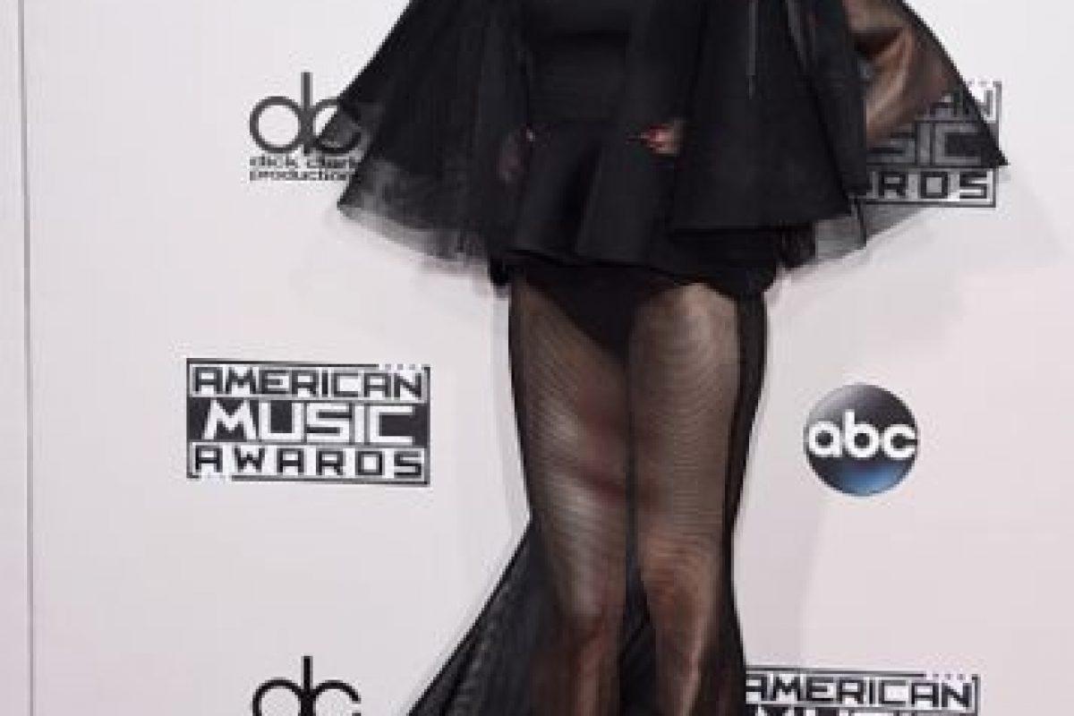 Gwen Stefani apareció con un vestido traslúcido que dejó ver sus piernas y sus panties. Foto:Getty Images. Imagen Por: