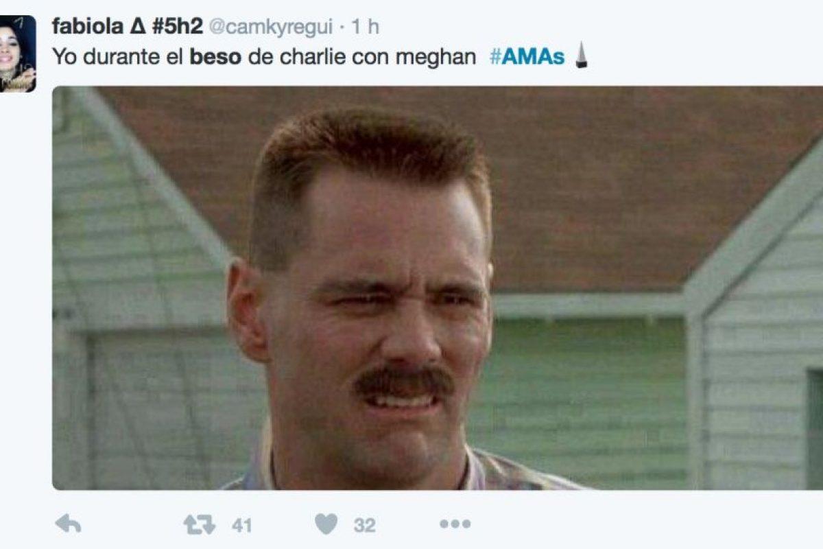 Aquí más reacciones del beso entre Meghan y Charlie Foto:Vía Twitter. Imagen Por:
