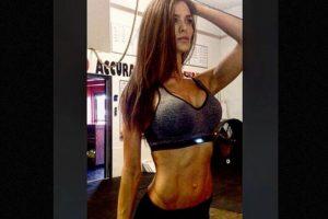 Además de dar clases en la North Sanpete Middle School se dedica al modelaje y comparte sus sesiones de ejercicio en el gimnasio. Foto:Instagram.com/minscakes. Imagen Por: