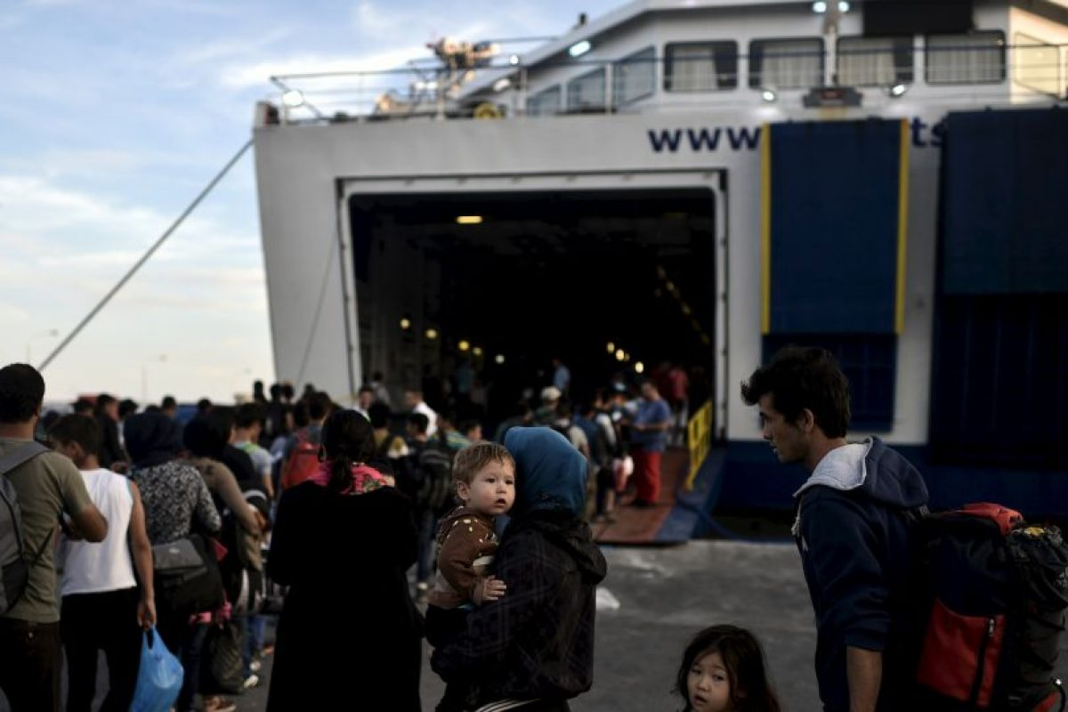 Muchas de estas personas arriesgan su vida para escapar de las difíciles situaciones en su país. Foto:AFP. Imagen Por: