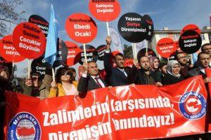 En Turquía existen una serie de manifestaciones contra las actividades militares rusas en Siria Foto:AFP. Imagen Por: