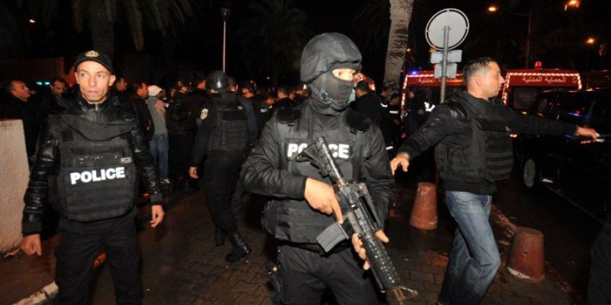 Al menos 14 muertos en la explosión en un autobús de la seguridad presidencial en Túnez