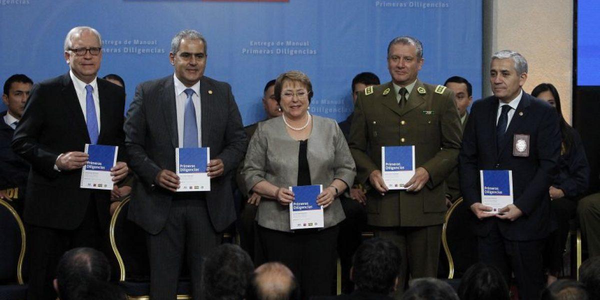 Bachelet entrega manual para prevenir