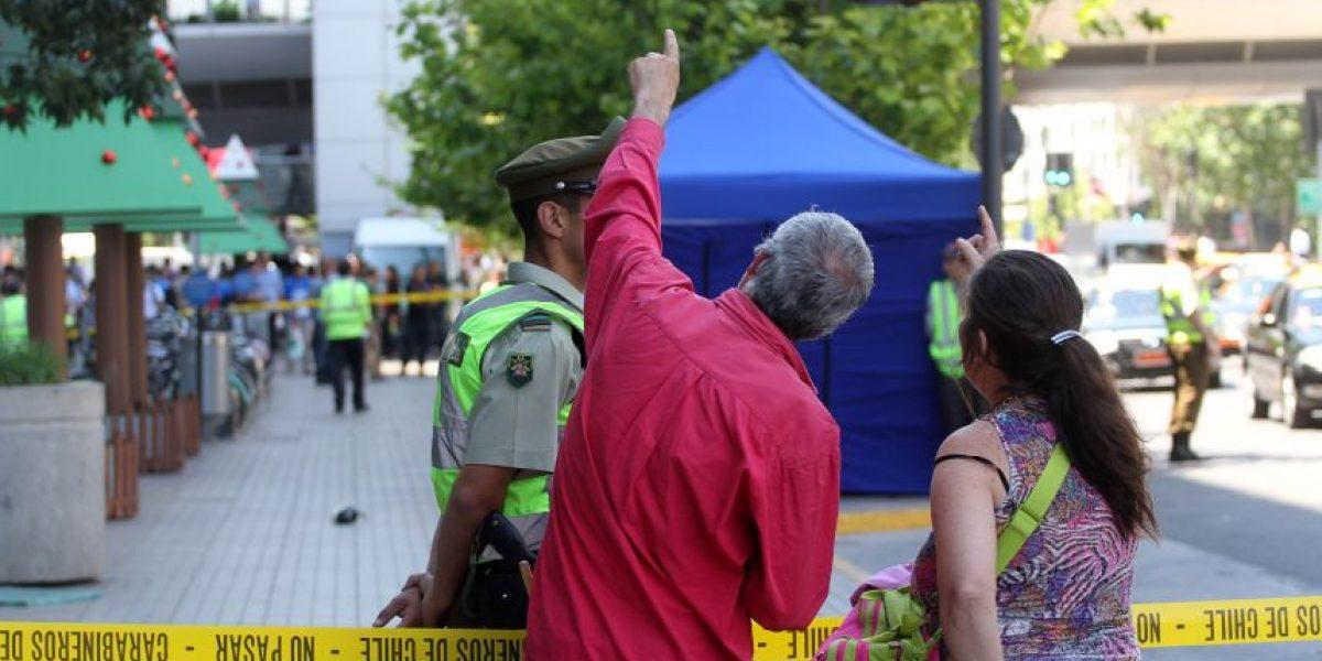 Hombre muere tras caer del sexto piso del Costanera Center