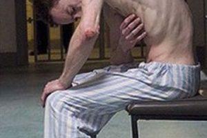 Fassbender se convirtió en Bobby Sands, un preso de la vida real que se sometió a una huelga de hambre en 1981. Foto:vía twitter.com. Imagen Por: