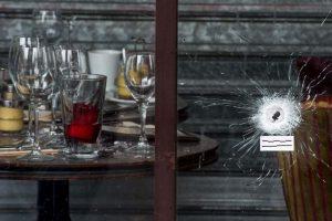 6. Finalmente, deben dar parte a la Policía cuando sea posible y darles toda la información que se tenga de los atacantes. Foto:Getty Images. Imagen Por: