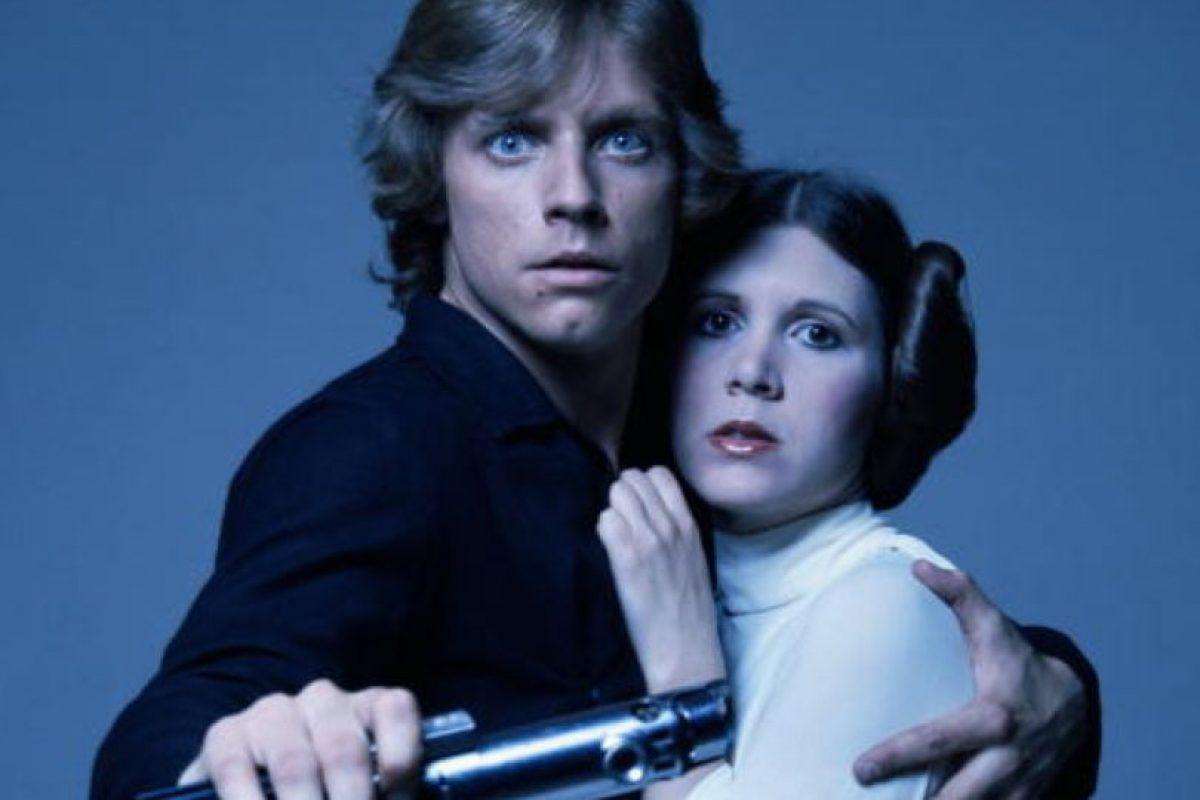 """Carrie Fisher, estrella de """"Star Wars"""", se llegó a casar por segunda vez con el agente Billy Lourd, con quien tuvo una hija. Foto:vía Getty Images. Imagen Por:"""