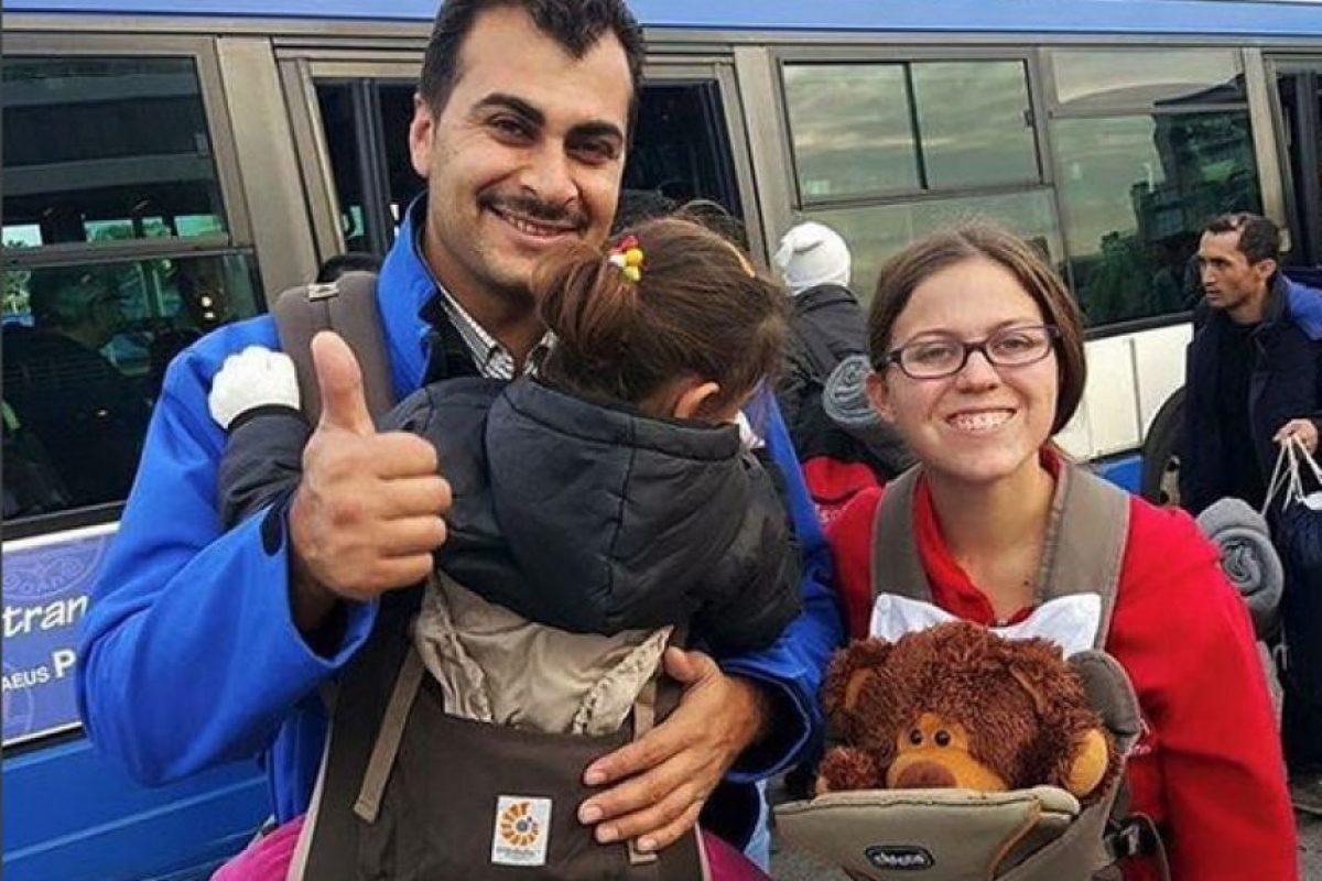 Han ofrecido su ayuda a los migrantes que llegan al puerto de Atenas. Foto:Vía Instagram.com/carrythefuture. Imagen Por: