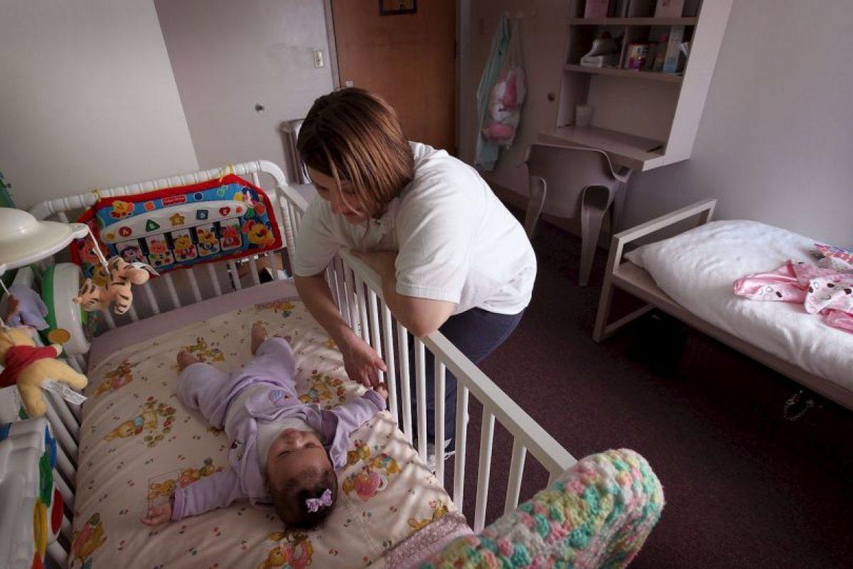 Lucía cree que hay muchos tabúes sobre la maternidad precoz, por eso ve con buenos ojos que su hijo de 14 años ya sea padre. Foto:Getty Images. Imagen Por: