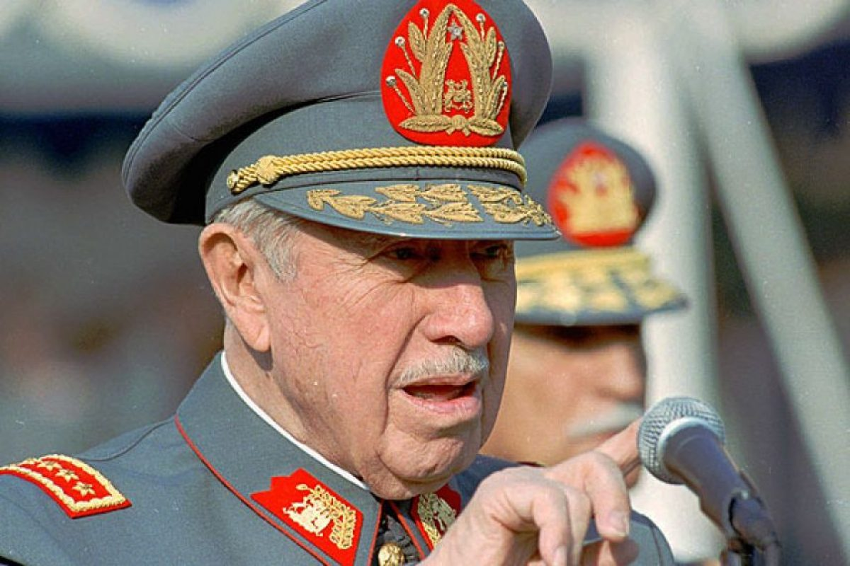 """""""Tengo la cara agria, por eso tal vez dicen que soy un dictador"""". Entrevista con Revista Qué Pasa otorgada el 24 de abril de 1982 Foto:Reproducción. Imagen Por:"""