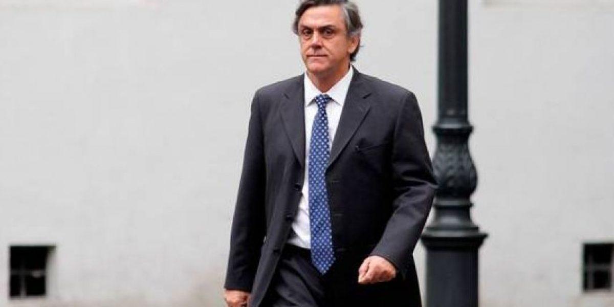 Fiscal nacional cita a declarar a Pablo Longueira como imputado por SQM