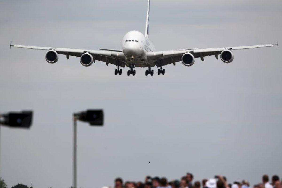 Cuando los pilotos hablan de aterrizaje con viento cruzado se refieren a que el viento se dirige de forma perpendicular a la pista de aterrizaje. Foto:Getty Images. Imagen Por: