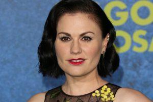 El pelo oscuro, el maquillaje, los pómulos. Foto:vía Getty Images. Imagen Por: