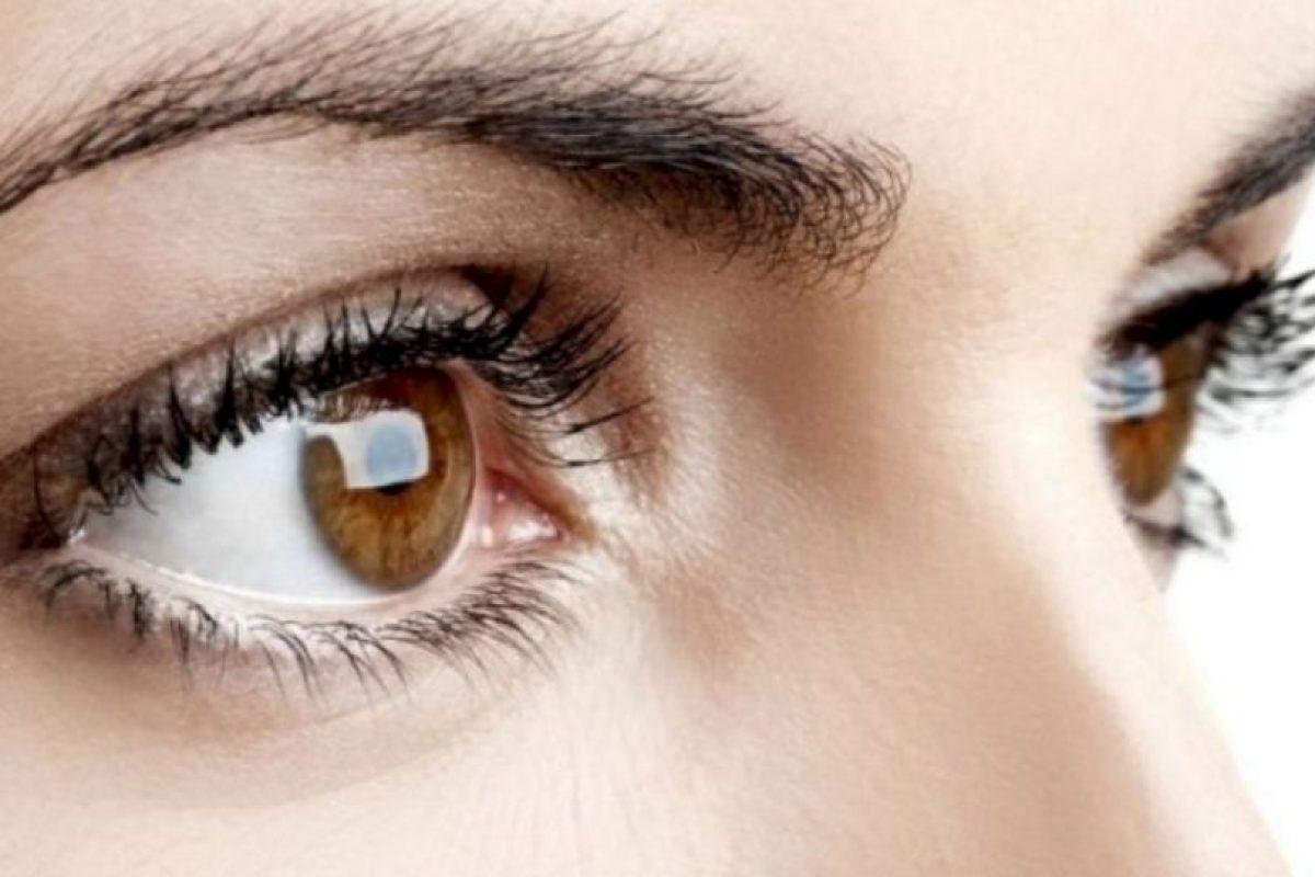 Es aconsejable acudir a un médico, ya que puede resultar una condición grave como la conjuntivitis, y glaucoma. Aunque también hay otras explicaciones, menos graves a menudo provocadas por su vida diaria. Foto:vía Pinterest. Imagen Por: