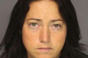 Nicole Dufault, fue acusada de abuso sexual de un menor de 14 y otro de 15 años. Foto:Essex County Prosecutor's Office. Imagen Por: