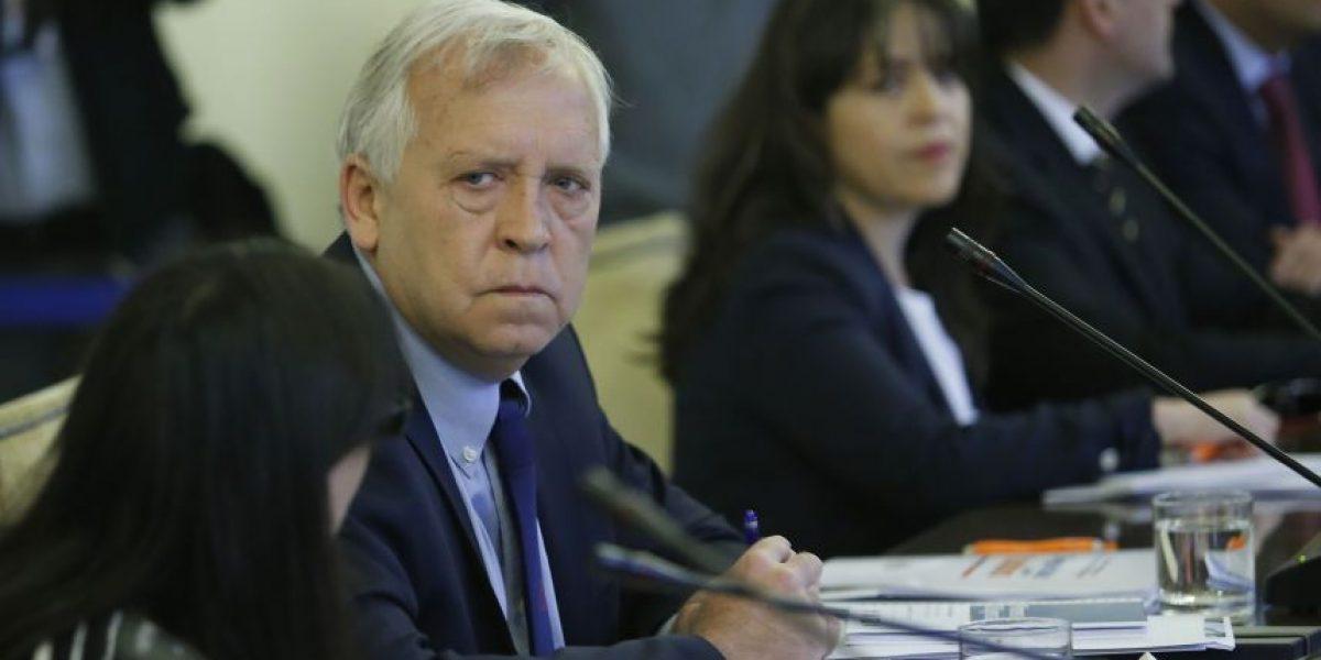 Asalto en Recoleta: ministro del Interior pidió orar por carabinero herido