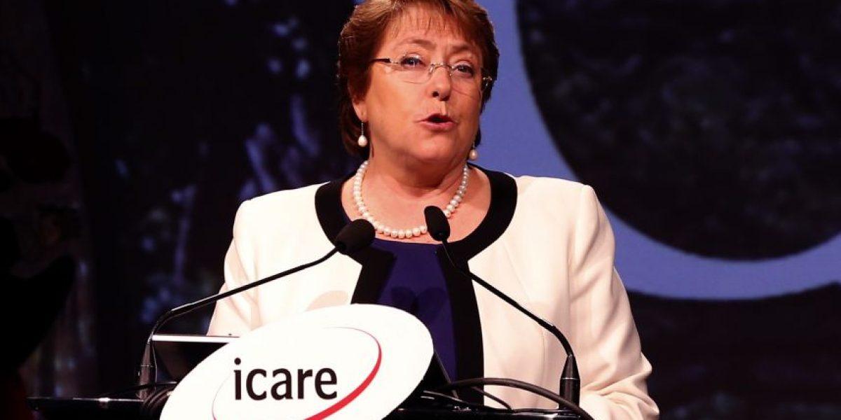 Bachelet llama a restablecer la confianza ciudadana en instituciones