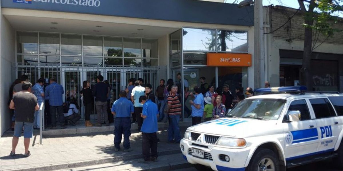 Balacera en Recoleta: dos carabineros heridos y asaltante en estado grave