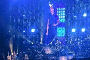 También en abril, Luis Miguel abandonó a su público luego de cantar tan solo 50 minutos sobre el escenario. Foto:Twitter. Imagen Por: