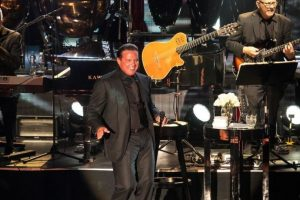 SEPTIEMBRE: Durante su show en Las Vegas, el cantante estaba más que preparado para entregarse a su público, pero al recinto solo llegaron el 60% de las personas. Foto:Grosby Group. Imagen Por: