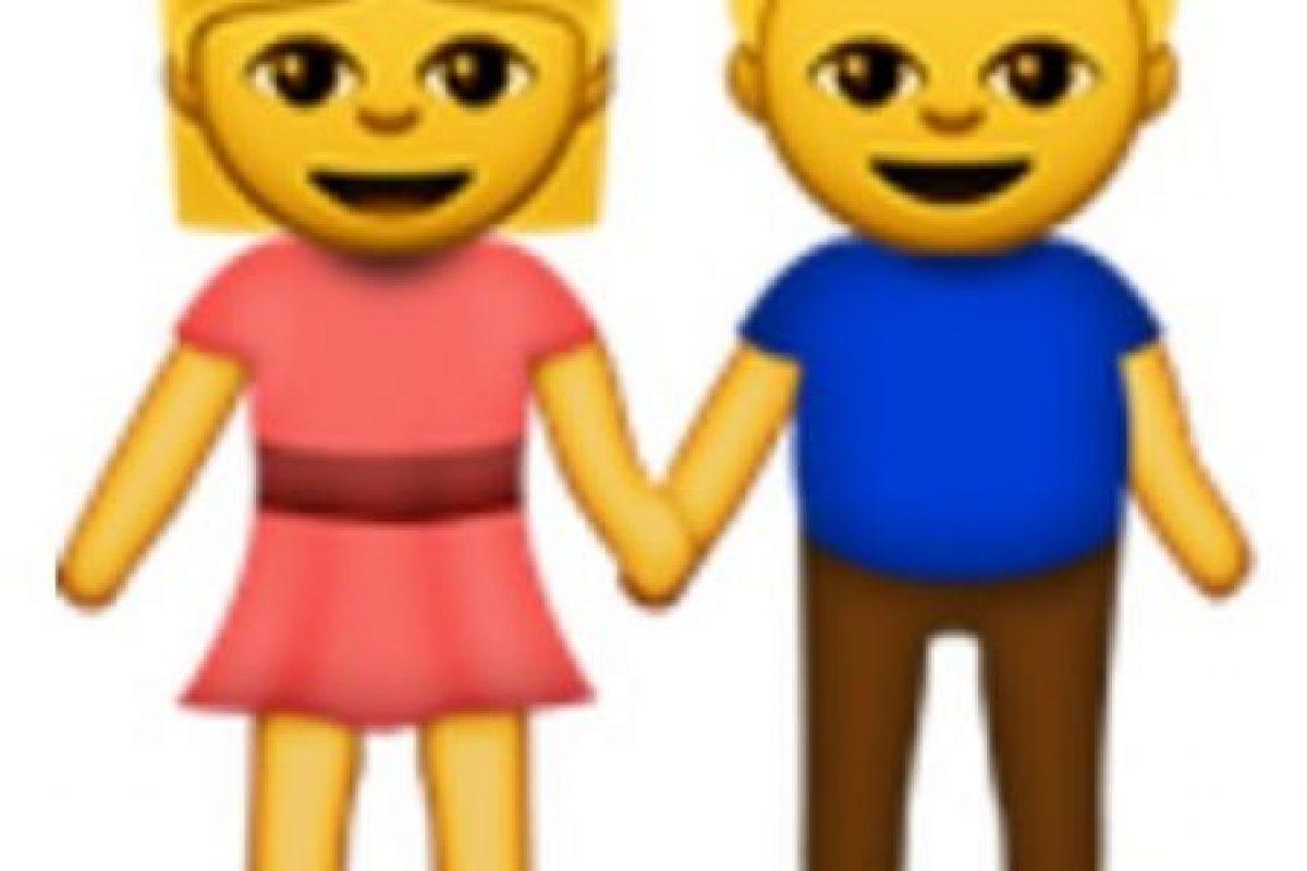 Pareja de hombre y mujer. Foto:vía emojipedia.org. Imagen Por:
