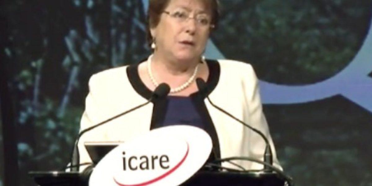 Presidenta Bachelet llama a restablecer confianzas en encuentro de empresarios