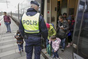 Suecia se unió a los países que también han tomado medidas drásticas contra la inmigración en las últimas semanas. Foto:AFP. Imagen Por: