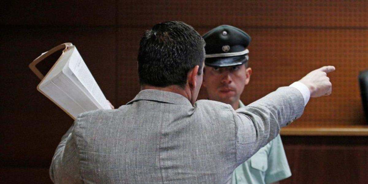 Pastor Soto encara a juez tras recibir pena por injurias y discriminación