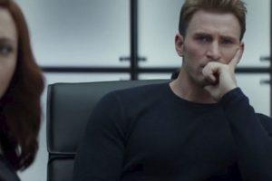 """Don Cheadle como """"War Machine"""" y Elizabeth Olsen como la """"Bruja Escarlata"""". Foto:Marvel. Imagen Por:"""