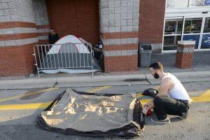 Incluso, tuvieron que acampar Foto:AP. Imagen Por:
