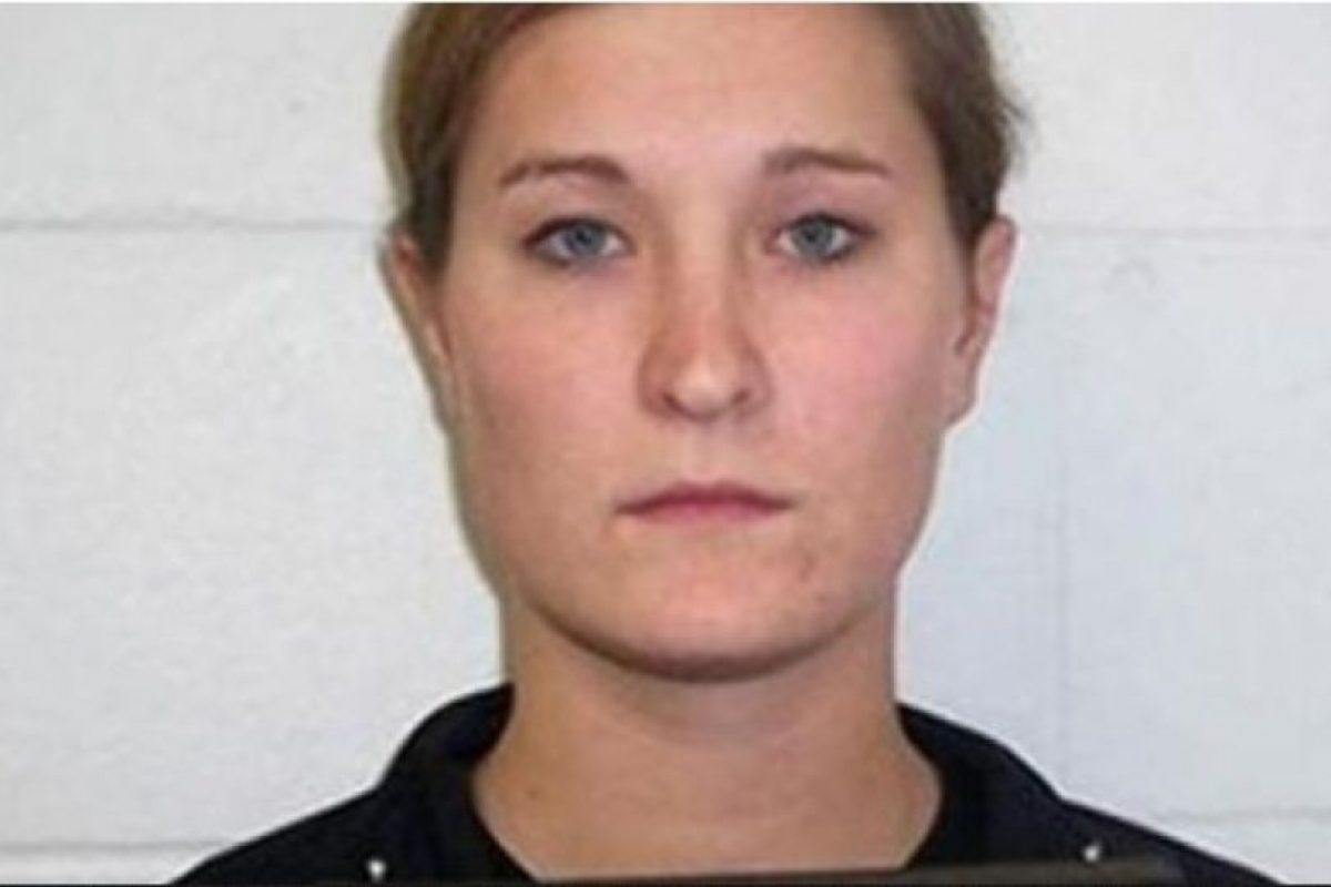 Ashley Anderson era maestra de matematicas en Iowa hasta que fue acusada de tener relaciones sexuales inapropiadas con cuatro estudiantes. Foto:  Iowa Department of Public Safety. Imagen Por: