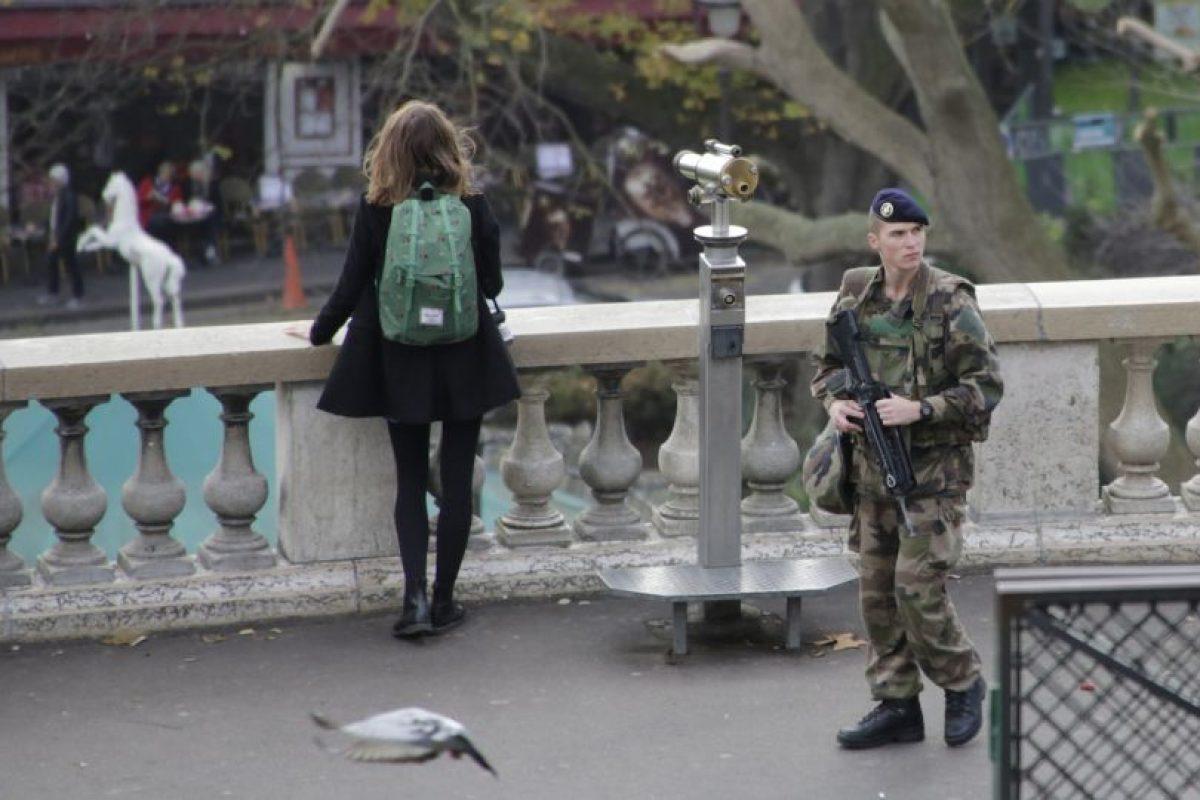 La Policía aún busca a uno de los terroristas. Foto:AP. Imagen Por: