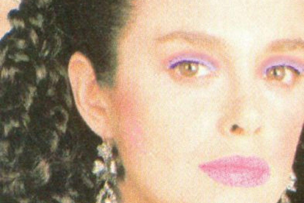 """En 1990 graba la telenovela """"Amor de Nadie"""", que trata sobre la entonces nueva y desconocida enfermedad del Sida. Foto:vía Tumblr. Imagen Por:"""