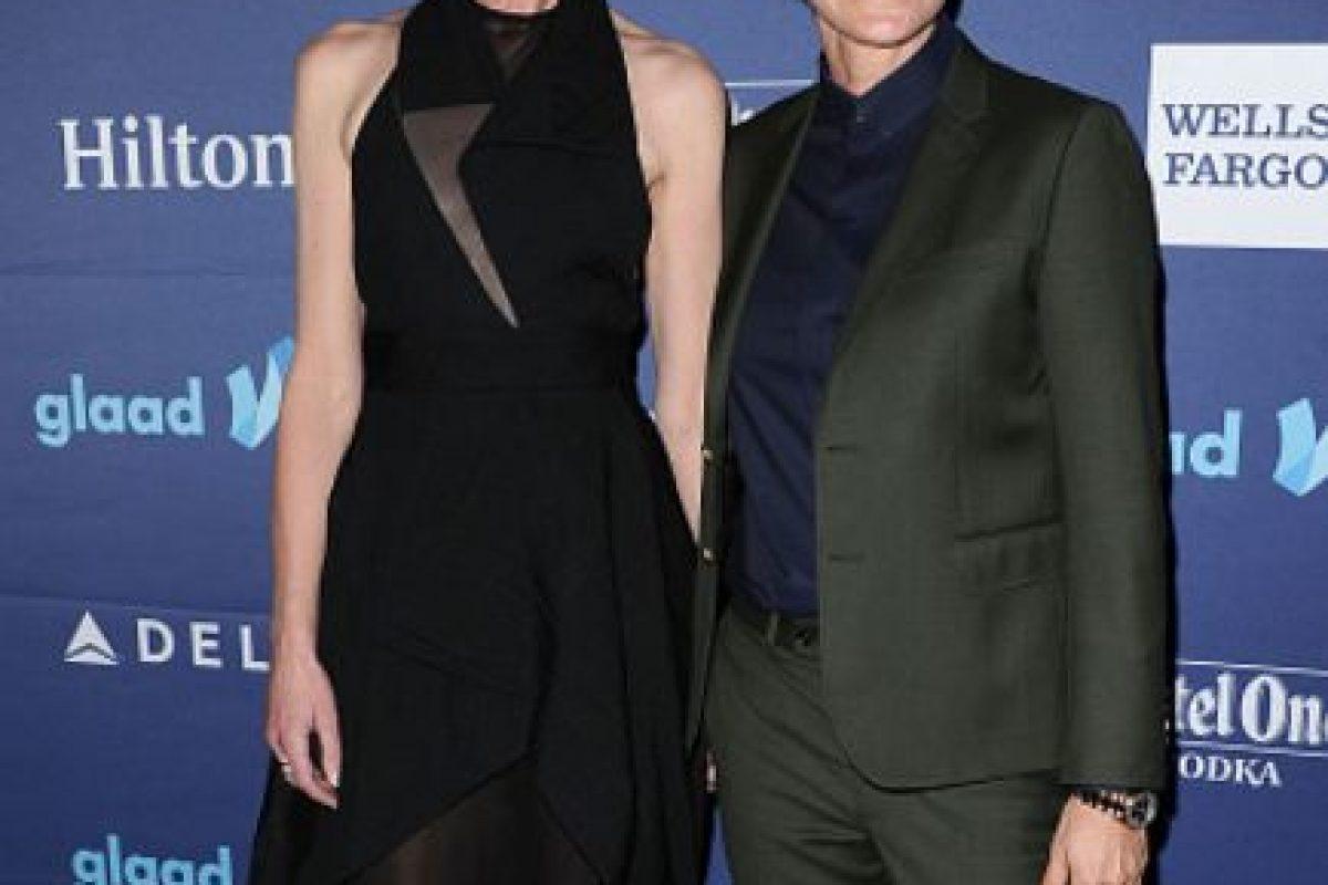 Portia De Rossi y Ellen DeGeneres conforman quizás la pareja de lesbianas más famosas de Hollywood. Foto:vía Getty Images. Imagen Por: