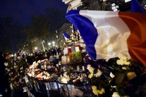 Continúan los tributos a las víctimas de los atentados terroristas de París. Foto:AFP. Imagen Por:
