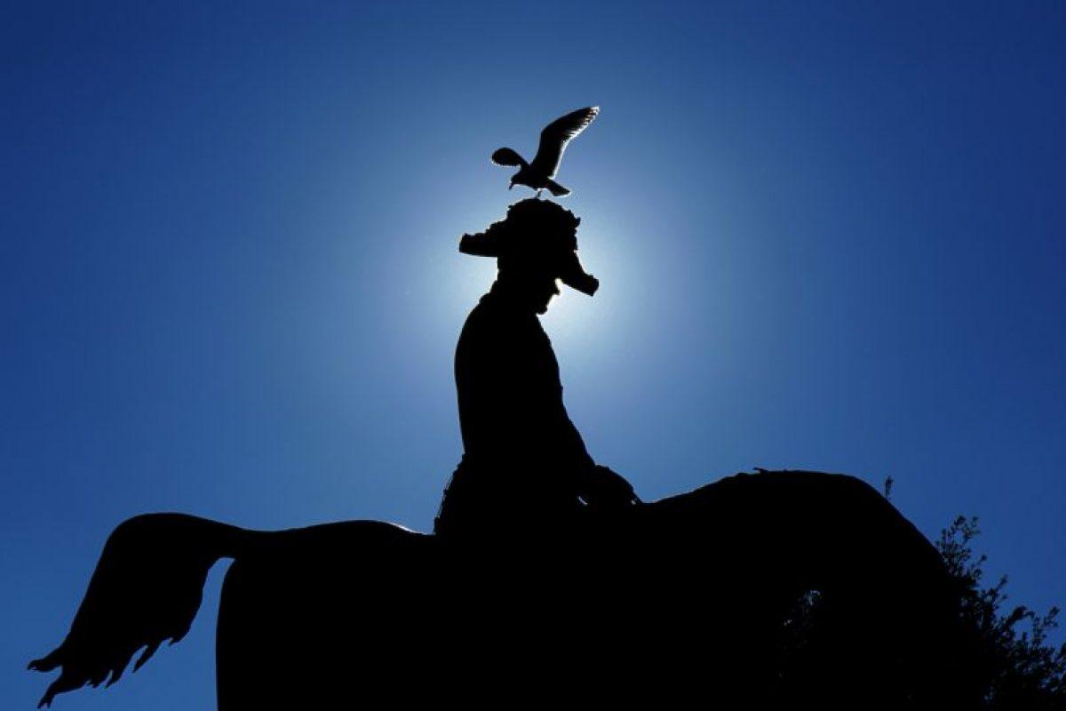 Estatua del rey Carlos Alberto en Roma. Foto:AFP. Imagen Por: