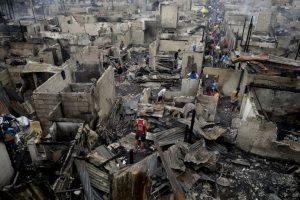 Casas destruidas por un incendio en Manila, Filipinas. Foto:AFP. Imagen Por: