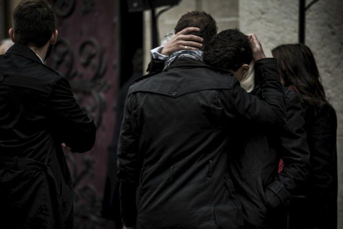 Funeral de una de las víctimas de los atentados terroristas de París. Foto:AFP. Imagen Por: