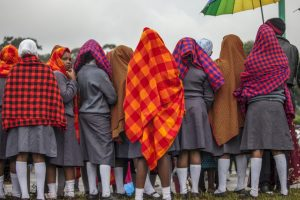 Jóvenes esperan al papa Francisco en la Universidad de Nairobi, Kenia. Foto:AFP. Imagen Por: