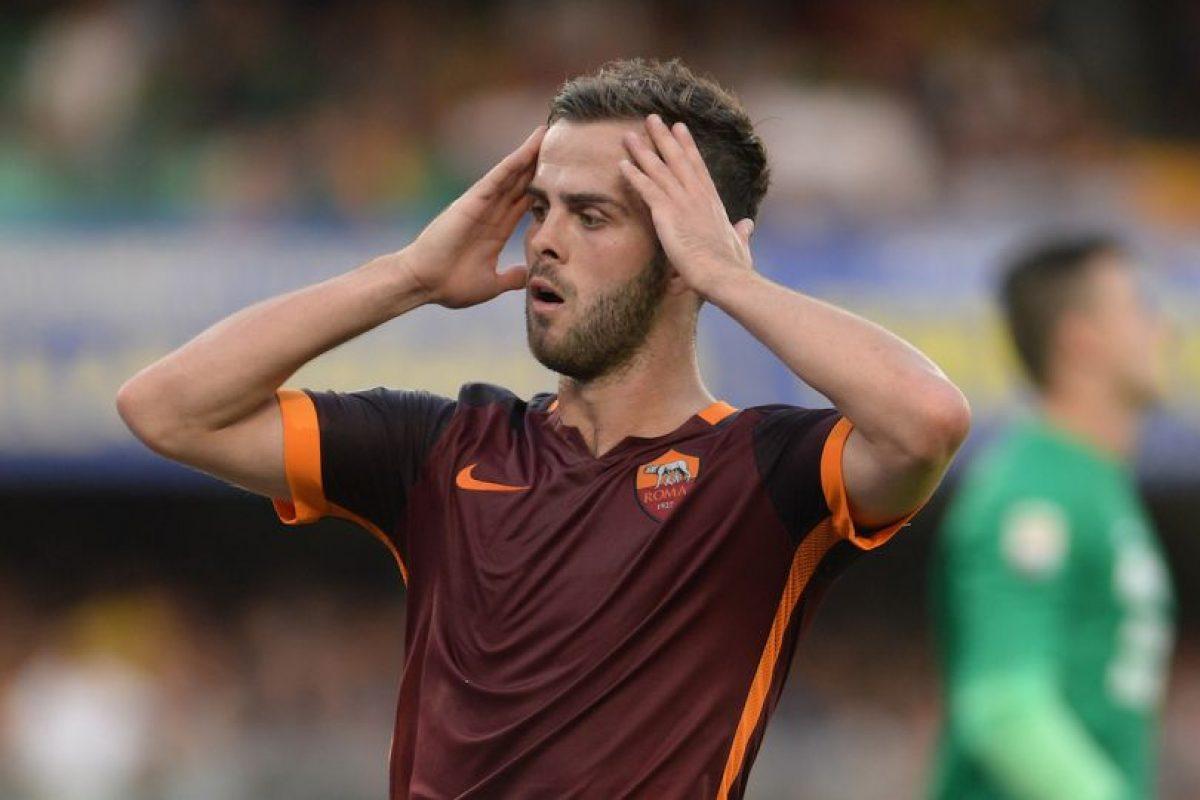 El bosnio juega actualmente en la Roma de Italia. Foto:Getty Images. Imagen Por: