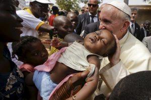 De los cuales el 50% son cristianos, 15% musulmanes y 35% tiene creencias religiosas indígenas Foto:AP. Imagen Por:
