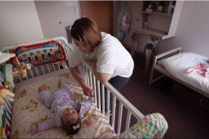 La bala de una ametralladora atravesó el vientre de la mujer y alcanzó a lastimar la cabeza del bebé que esperaba. Foto:Getty Images. Imagen Por: