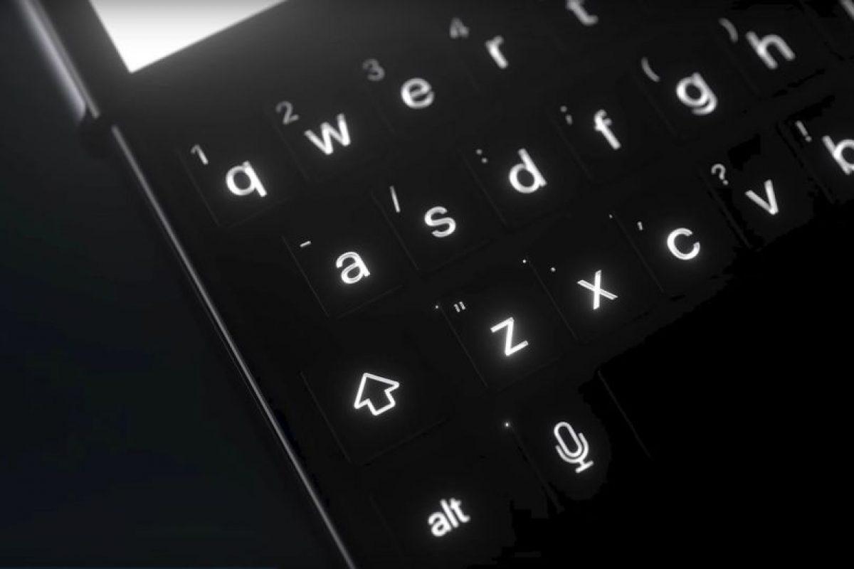 Muy al estilo de BlackBerry. Foto:vía Curved / YouTube. Imagen Por: